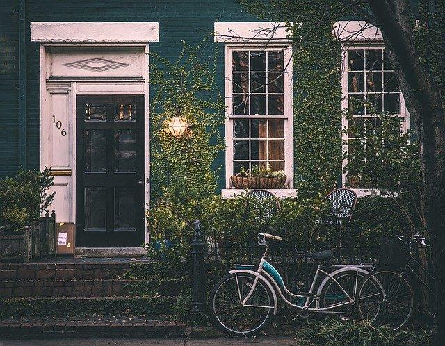Find en god boligadvokat, når du skal til at købe eller sælge et hus